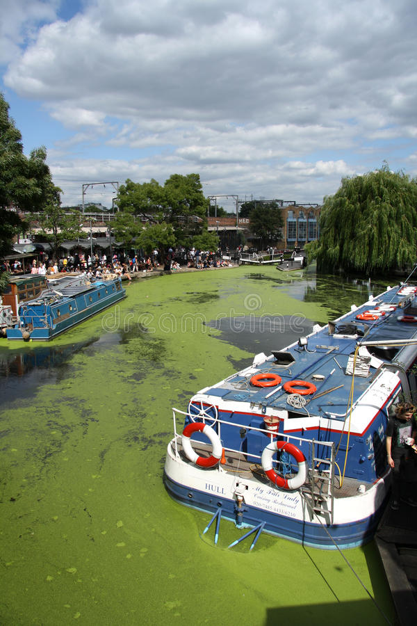 Download Camden Lock, London editorial stock image. Image of canals - 32895064