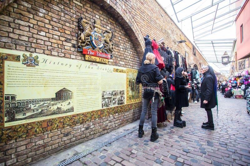 Camden Town London Scena z ludźmi fotografia royalty free