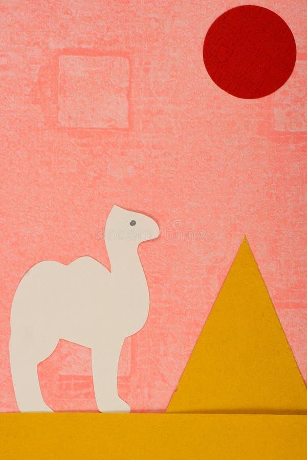 Camello y pirámide imagen de archivo