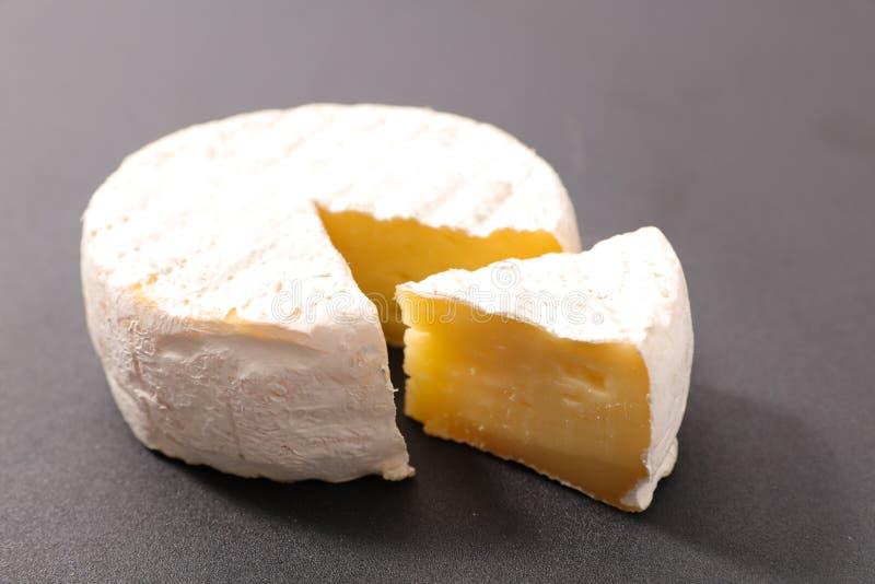 Camembert frais image libre de droits