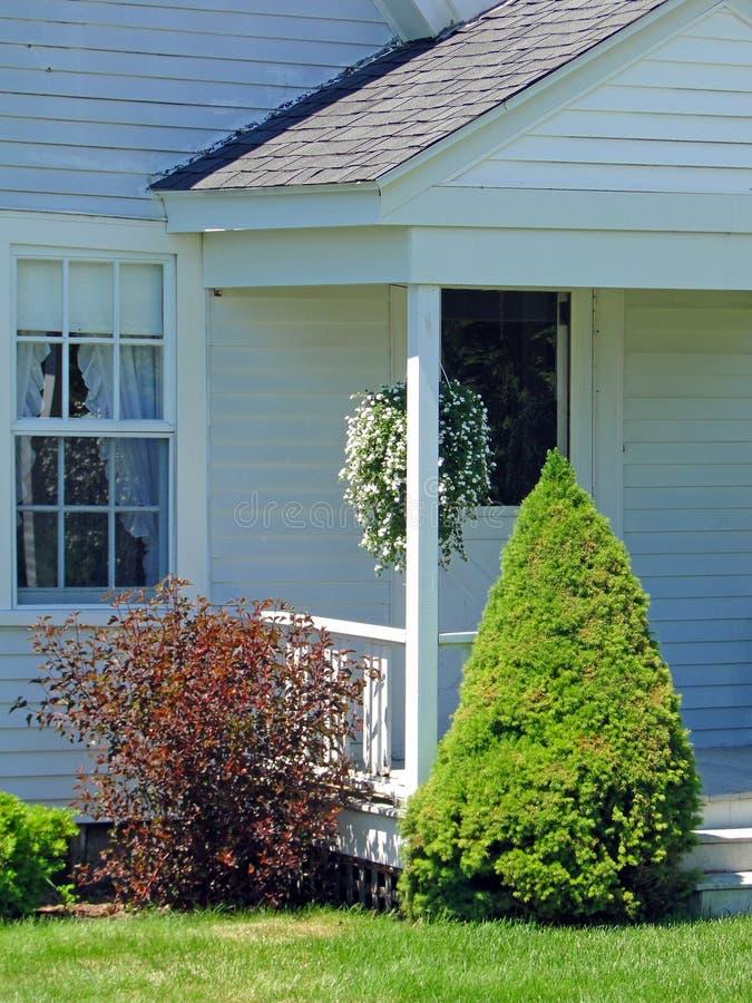 Camera bianca classica della Nuova Inghilterra, fotografia stock libera da diritti
