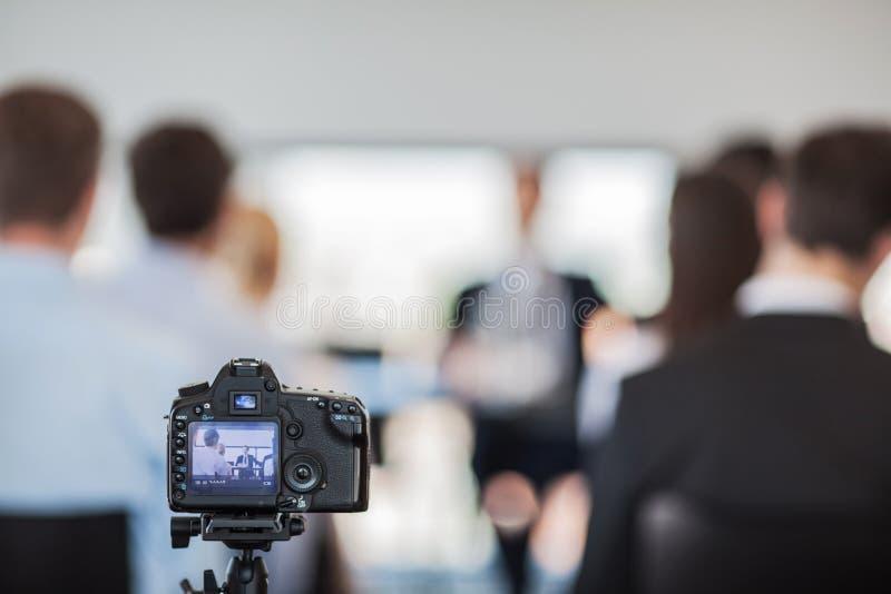 Camera bij persconferentie stock foto