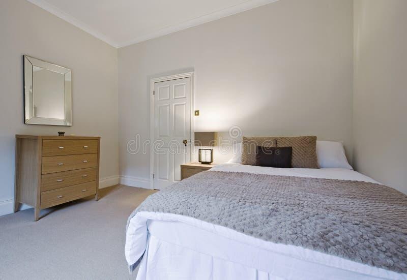 Camera da letto alla moda immagine stock
