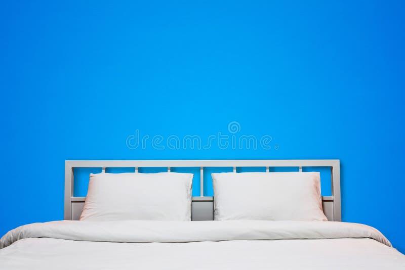 Camera da letto blu immagine stock immagine di base for Camera da letto blu