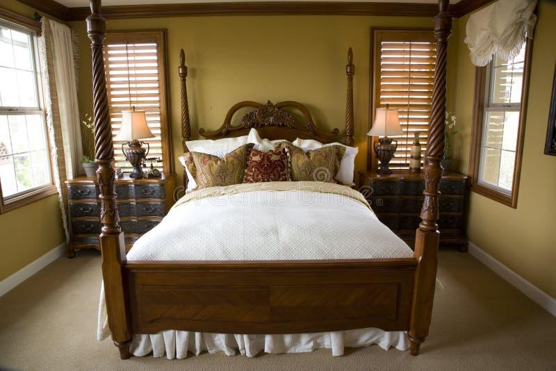 Camera da letto comoda immagini stock