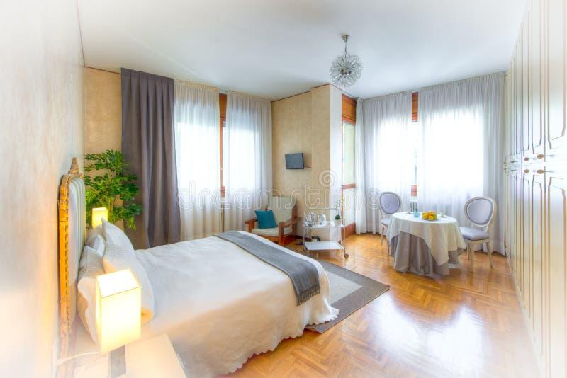 Camera da letto di bed and breakfast immagini stock libere da diritti