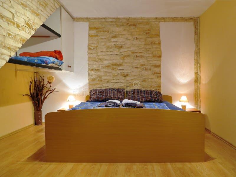 Camera da letto di lusso e accogliente immagine stock immagine di casa viaggio 25546553 - Letto da viaggio ...