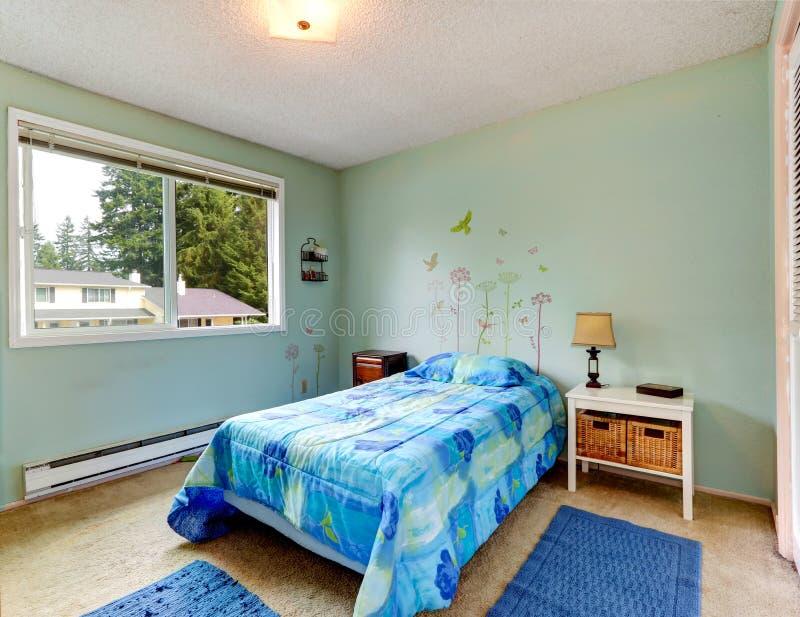 Camera da letto di toni dell 39 acqua piccola con letto - Camera da letto piccola ...