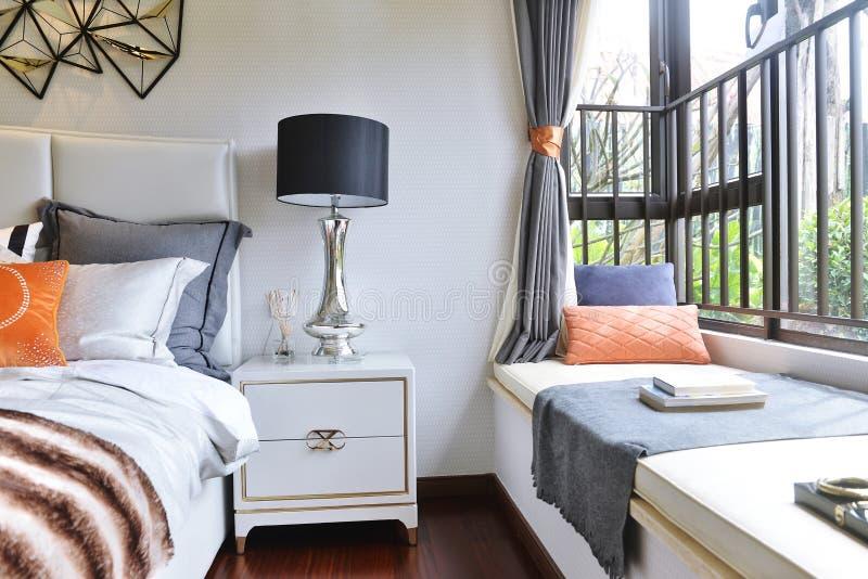 Camera da letto domestica di lusso immagine stock libera da diritti