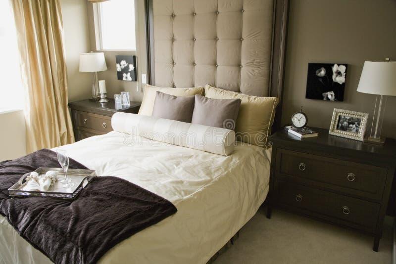 camera da letto monocromatica immagine stock