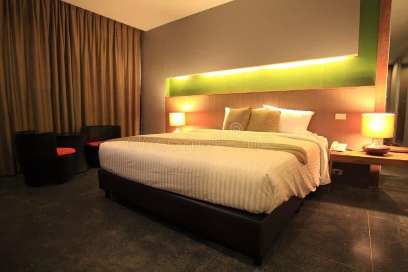 Camera da letto principale moderna di lusso immagini stock libere da diritti