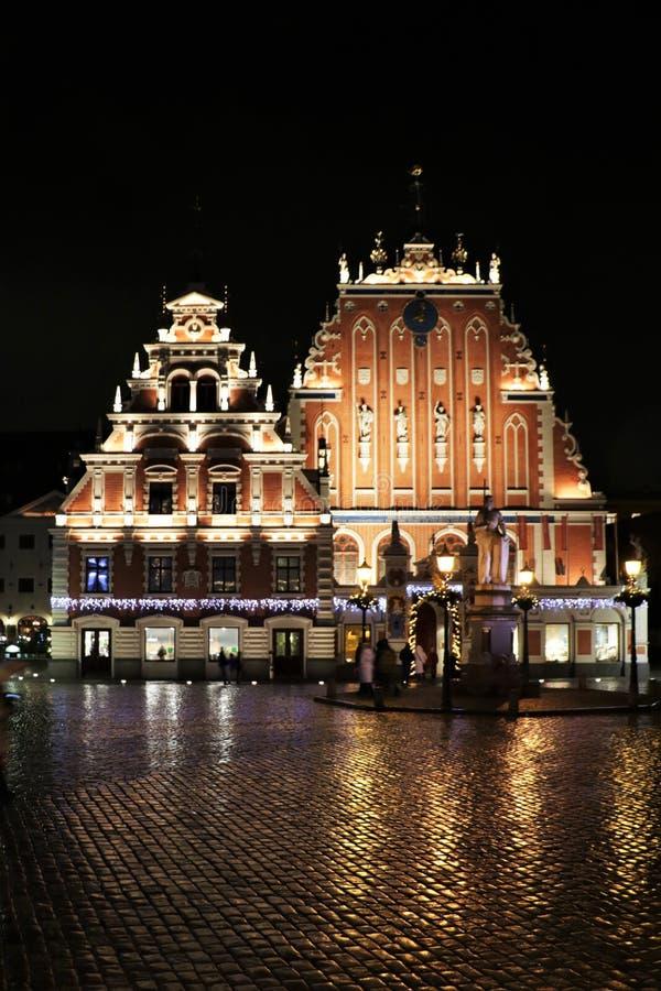 Camera dei comedoni a Riga alla notte fotografia stock libera da diritti