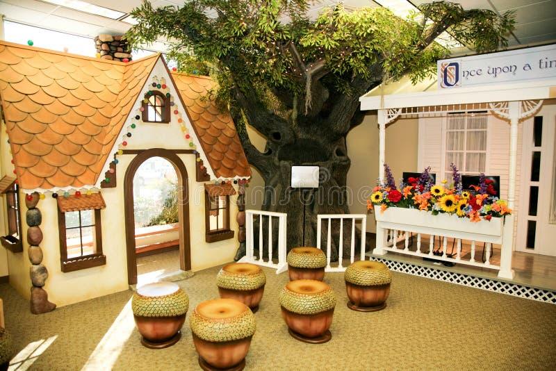 Camera del gioco dei bambini: Camera di pan di zenzero fotografie stock