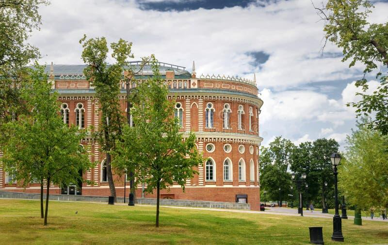 Camera di Catherine The Great nel parco di Tsaritsino a Mosca fotografia stock
