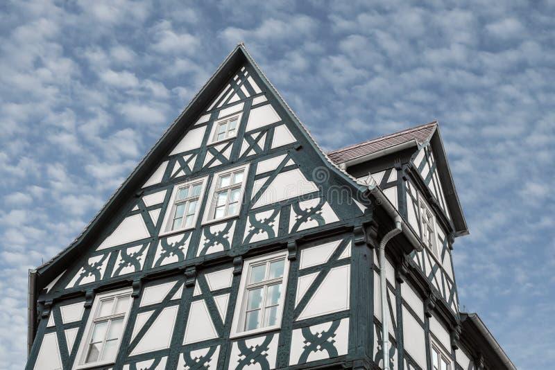 Camera di musica nel vecchio stile architettonico germanico tipico nel centro di Halle Saale in Germania fotografia stock