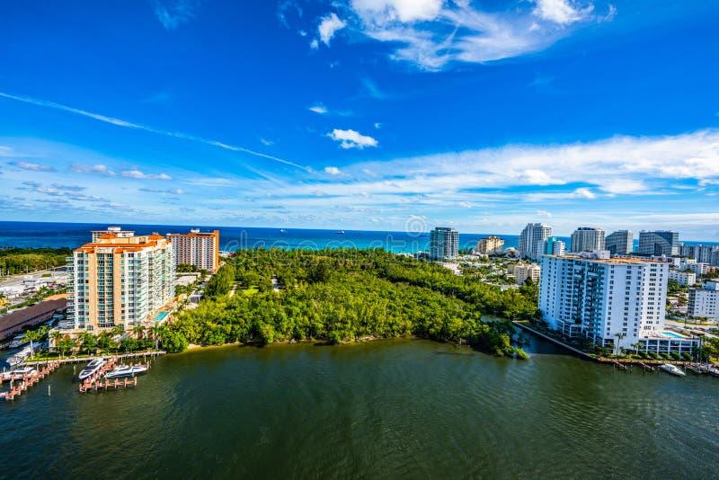 Camera e giardini del cofano in Fort Lauderdale, Florida fotografia stock libera da diritti