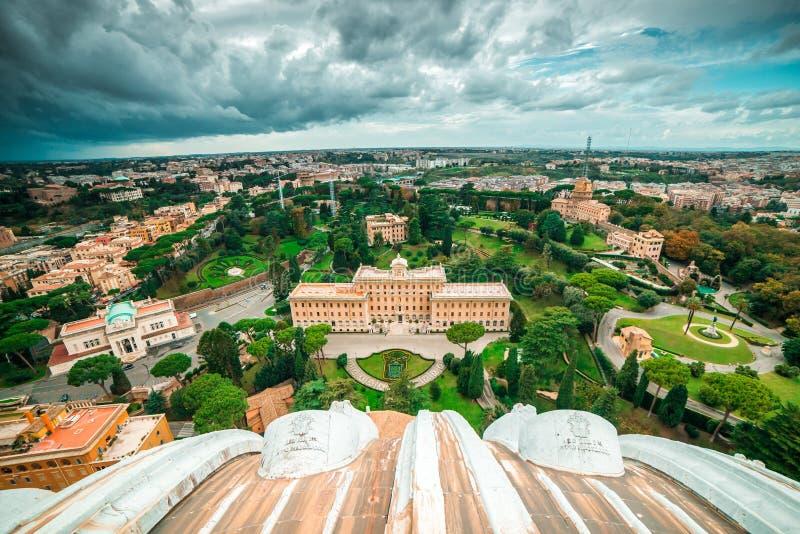 Camera e giardino di papa fotografia stock libera da diritti