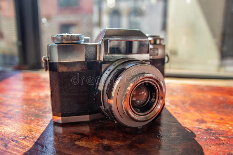 Camera vintage photogtaphy wood table stock photography