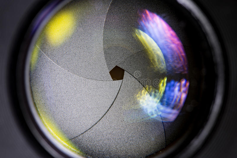 Cameralens met lensebezinningen royalty-vrije stock afbeelding