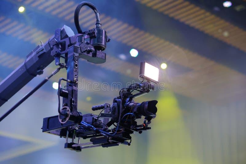 Cameraverslag op kraan in productie op huwelijk Close-up royalty-vrije stock foto