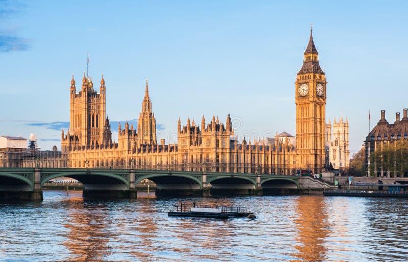 Camere del parlamento e di big ben a londra fotografia for Camere parlamento