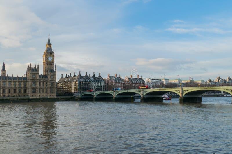 Camere del Parlamento, grande Ben And Westminster Bridge In Londra, Regno Unito fotografia stock