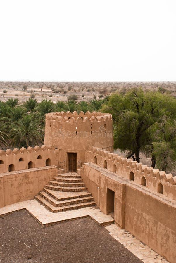 Camere di Adobe storiche nell'Oman immagini stock
