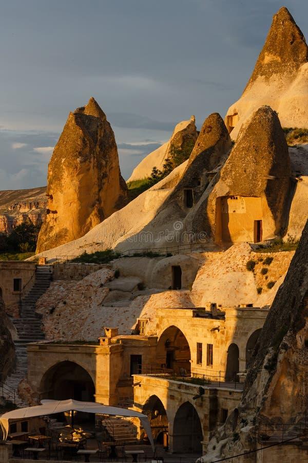 Camere di albergo ridotte nella roccia