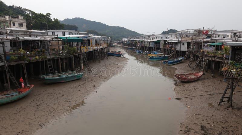 Camere e barche del villaggio del Tai O. Hong Kong. fotografia stock libera da diritti