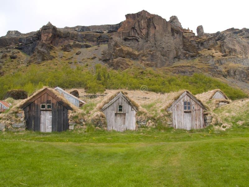 Camere islandesi tradizionali del tappeto erboso fotografie stock