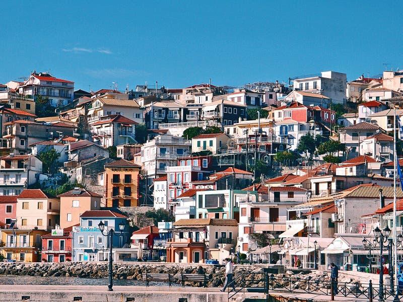 Camere Mediterranee tradizionali greche tipiche all'isola greca Parga immagini stock libere da diritti
