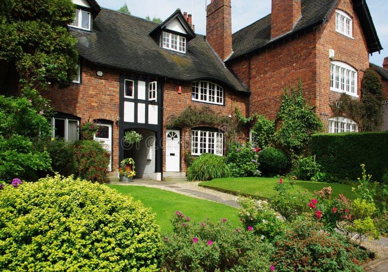 Camere nel villaggio di Bournville, Birmingham, Regno Unito immagini stock