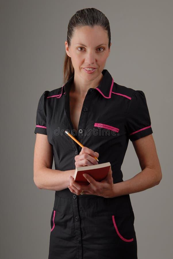 Cameriera di bar del caffè in retro uniforme immagini stock libere da diritti