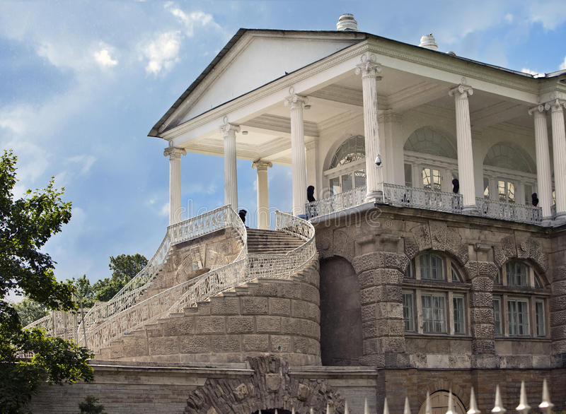 cameron galleri 24 för petersburg för park för nobility för km för catherine besök för tsarskoye för st för center familj tidigar royaltyfri foto