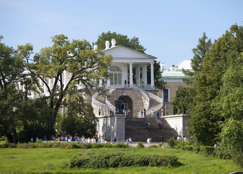 cameron galleri 24 för petersburg för park för nobility för km för catherine besök för tsarskoye för st för center familj tidigar arkivbild