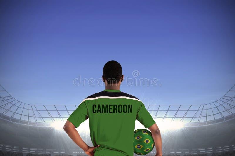 Cameroon gracza futbolu mienia piłka fotografia stock