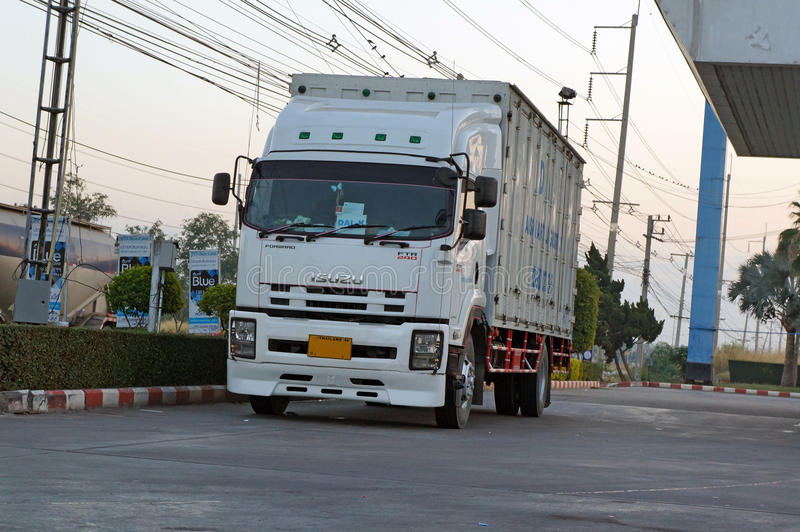 Camión de Isuzu imagenes de archivo