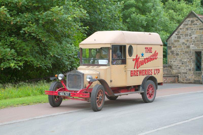 Camión de la cerveza del vintage en el norte de Inglaterra imagenes de archivo