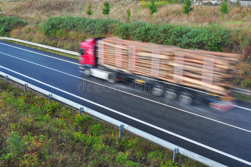 Camión de madera del transporte imágenes de archivo libres de regalías