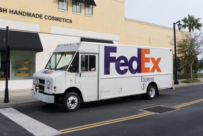 Camión de reparto de Fedex imágenes de archivo libres de regalías