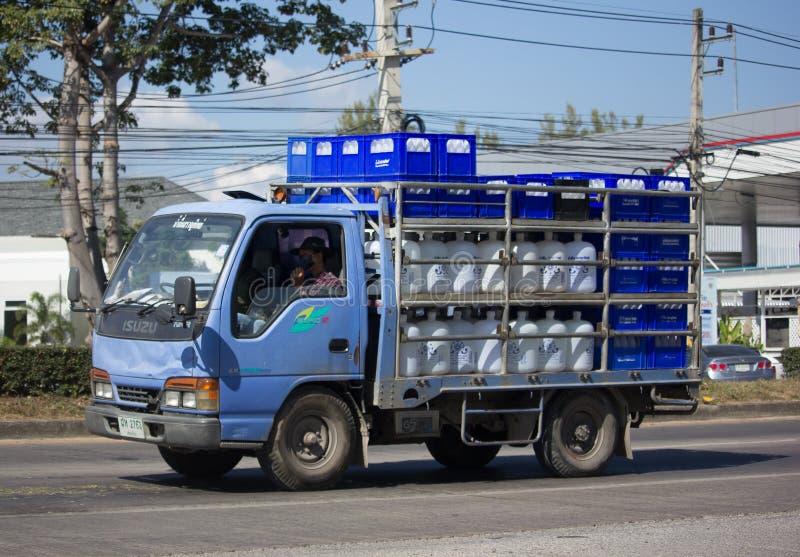 Camión de reparto del agua potable de la compañía de Thip del sarán imagen de archivo