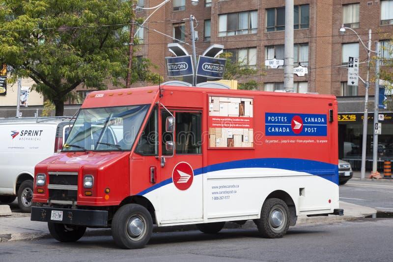 Camión de reparto del correo de los posts de Canadá foto de archivo libre de regalías