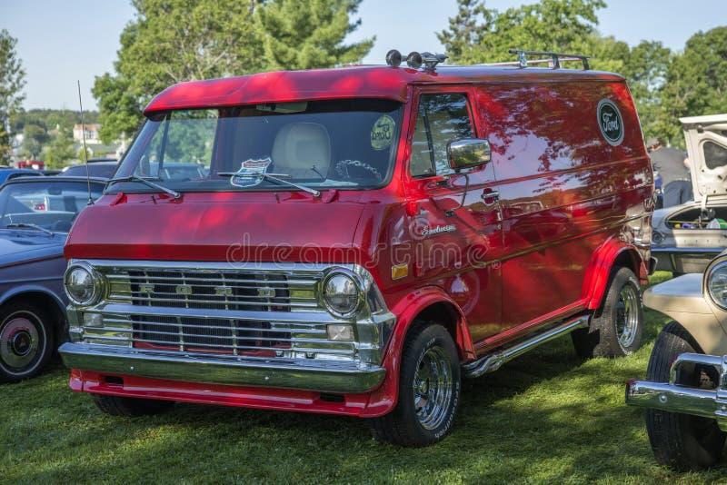 Camión del econoline del vado del vintage imagen de archivo libre de regalías