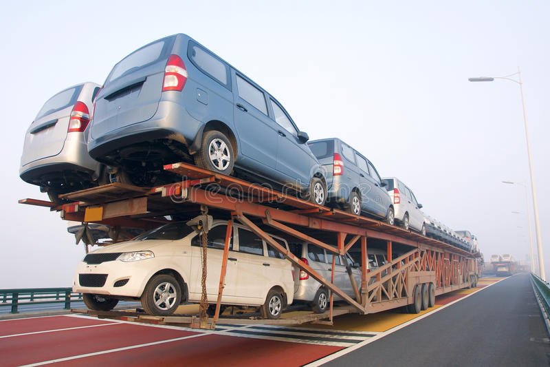 Camión del portador de coche foto de archivo