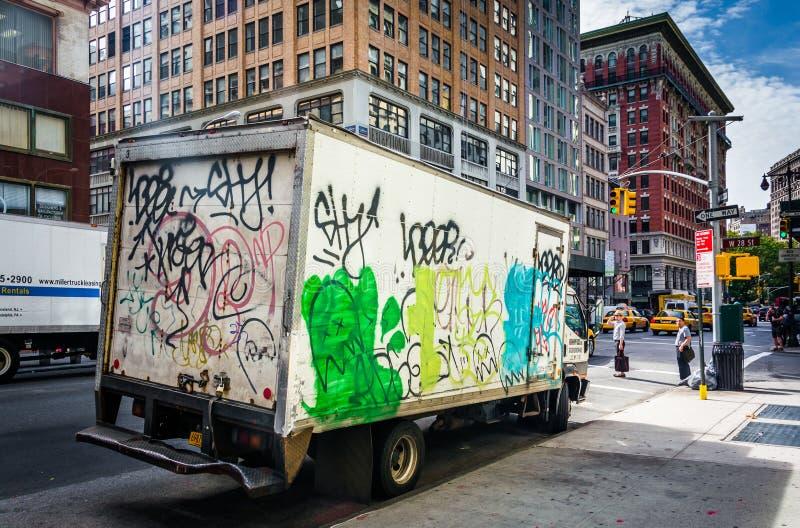 camión Pintada-cubierto en Manhattan, Nueva York foto de archivo