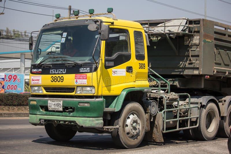 Camión volquete de Isuzu Trailer de la compañía de la piedra de D imagen de archivo libre de regalías