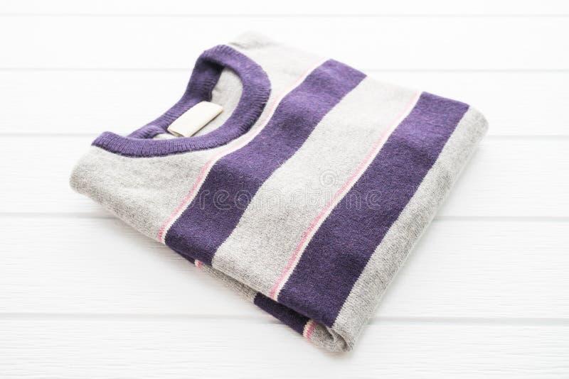 Camicia e abbigliamento del maglione della lana fotografie stock