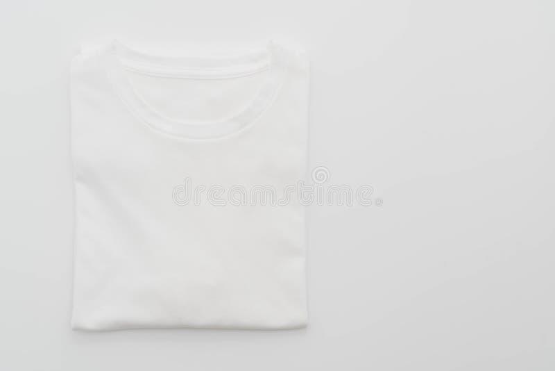 camicia maglietta piegata su bianco fotografie stock libere da diritti