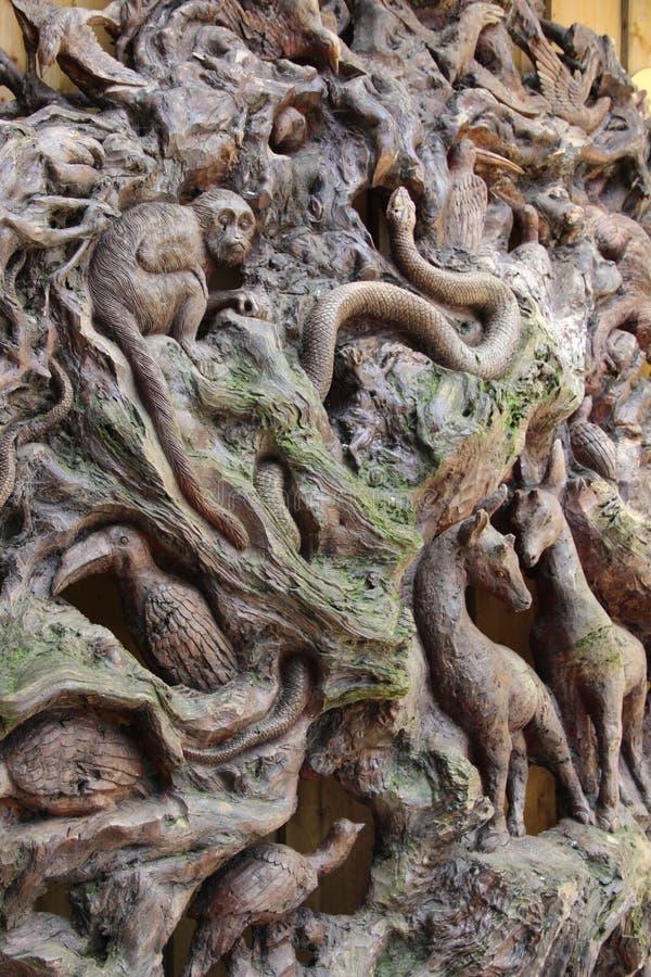 Camille Morenos -serpent De Bois Free Public Domain Cc0 Image