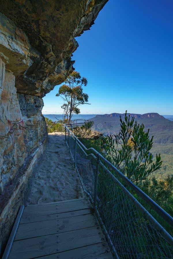 Caminando el paseo del acantilado del Henrio del príncipe, montañas azules parque nacional, Australia 11 fotografía de archivo libre de regalías